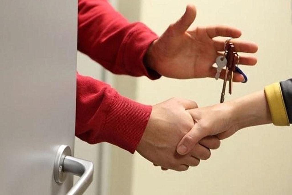 Как сдать квартиру посуточно официально